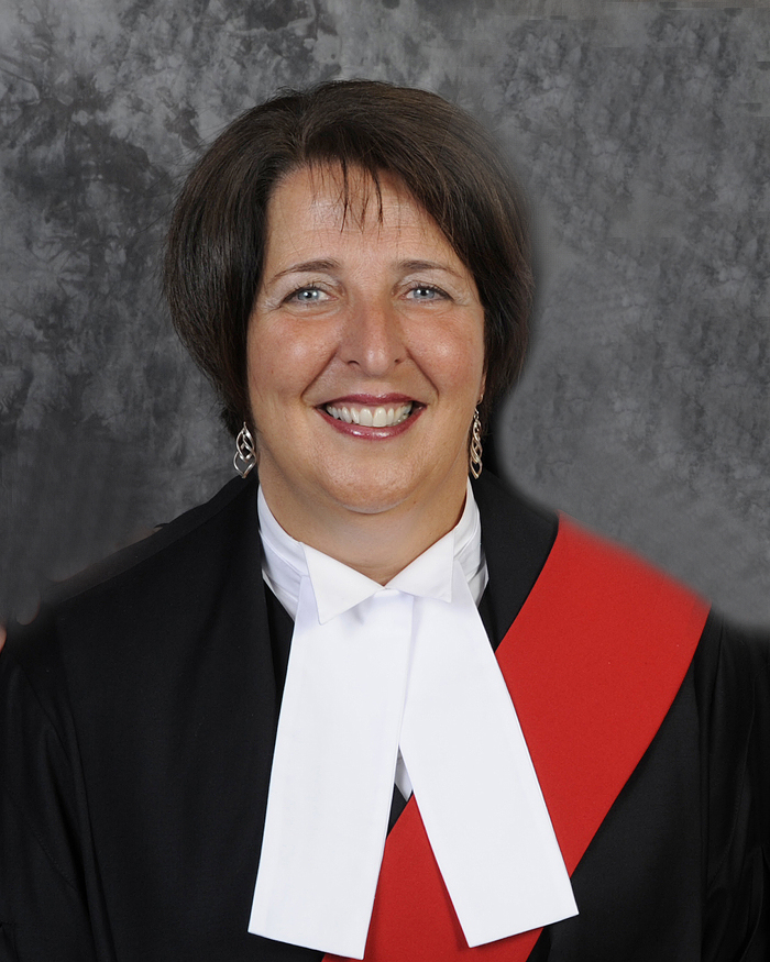 L'honorable Lise T. Maisonneuve