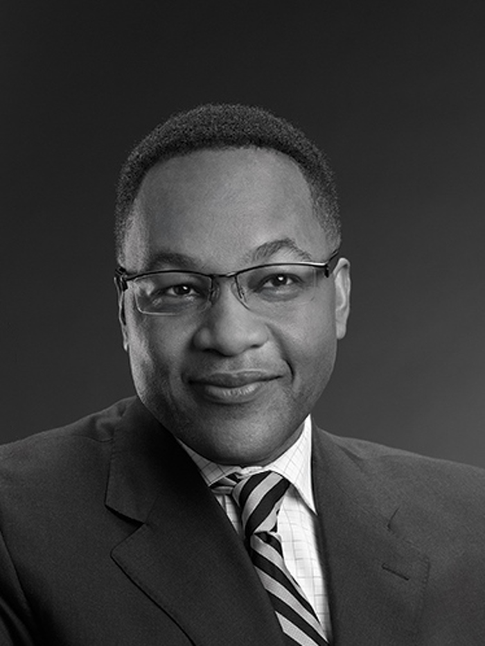 L'honorable Michael H. Tulloch