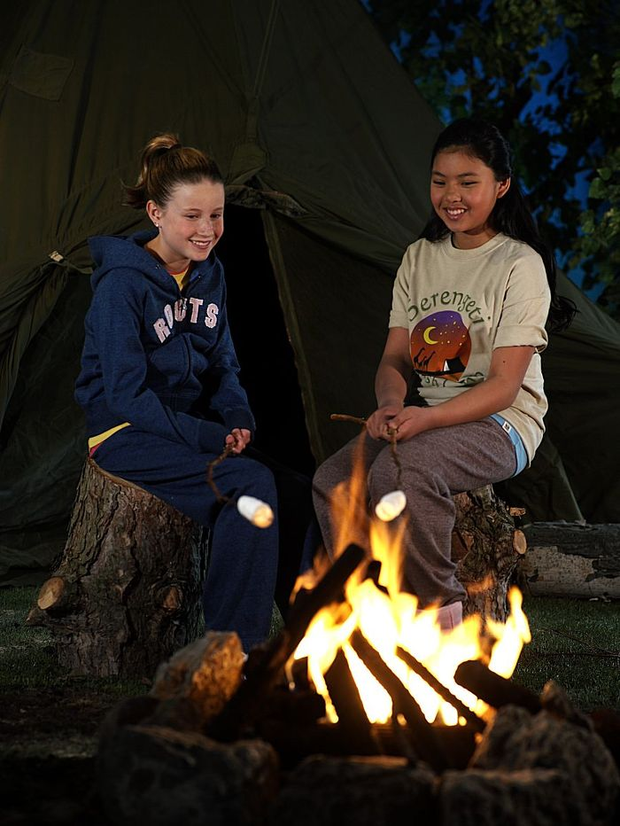 Camp under the stars and enjoy a treat with your friends.  Credit: Ontario Tourism Marketing Partnership Corporation