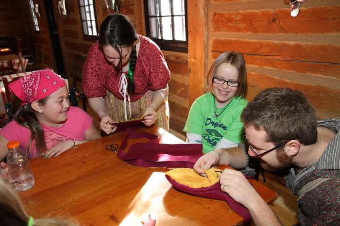 Making Crafts at Fort William Historical Park – Thunder Bay