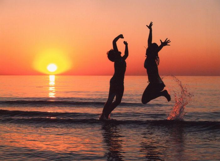 Plongez dans le bonheur! Nager dans un lac à proximité peut améliorer votre santé physique et mentale.
