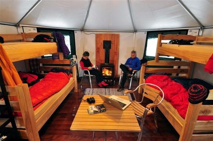 Installez-vous au chaud et confortablement dans une de nos cabanes