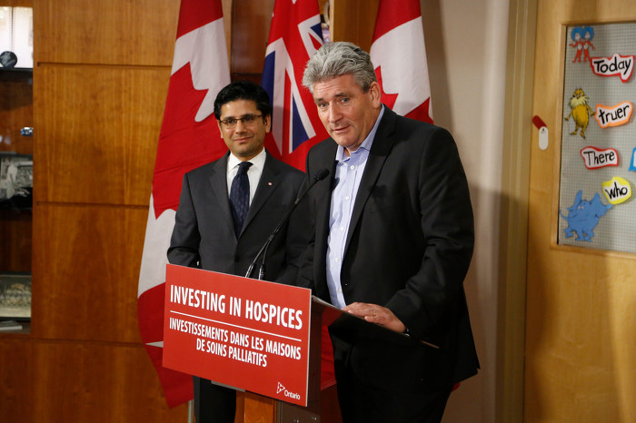 John Fraser, Parliamentary Assistant to the Minister of Health and Long-Term Care, and Yasir Naqvi, MPP Ottawa Centre, making an announcement.