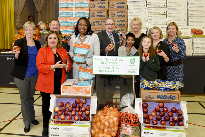 Left to Right: Jennifer Buccino  ‎Regional Executive Director, Northwest and Central Ontario - Dietitians of Canada; Cristina Martins, MPP (Davenport); Jason Verkaik, Carron Farms and Ontario Fruit and Vegetable Growers' Association; Mitzie Hunter, Minister of Education; Jeff Leal, Minister of Agriculture, Food and Rural Affairs; Arden Charnock and Theo Mukhatee, students of Perth Avenue Jr Public School; Jane Phillips-Long, Superintendent of Education TDSB; Marit Stiles, Trustee, ward 9; Andrea McPherson, Principal - Perth Avenue Jr Public School.