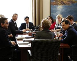 Aider plus d'étudiantes et d'étudiants à entreprendre des études postsecondaires Image: La première ministre Wynne a  fait une annonce à propos des demandes de proposition pour d'importants projets d'agrandissement.