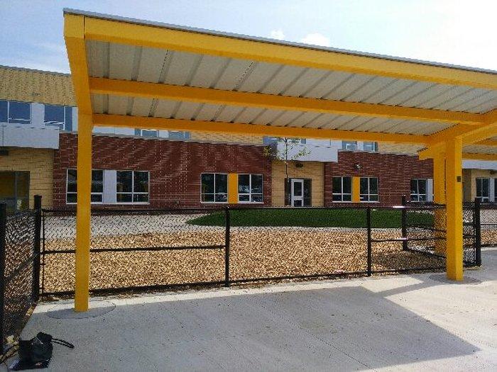 Photo de l'école St. Daniel Comboni Catholic Elementary School, une nouvelle école à Brampton, qui accueille plus de 500 élèves.