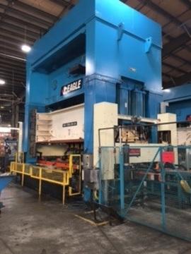 La nouvelle presse de 1200 tonnes de Fleetwood Metal, qui sert à estamper du métal et de l'aluminium pour l'industrie automobile de l'Amérique du Nord, a été achetée grâce à une subvention du Fonds de développement du Sud-Ouest de l'Ontario.