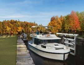 Vacances en bateau sur le canal Rideau, au Canada